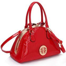 Lakierowana czerwona torebka z okuciami