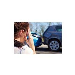 Foto naklejka samoprzylepna 100 x 100 cm - Podkreślił, siedział przy drodze kierowcy po wypadku drogowym