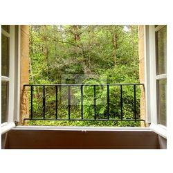 Fototapeta Widok na las, jak widać z okna sypialni domek
