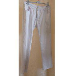 Białe jeansy rozmiar 46