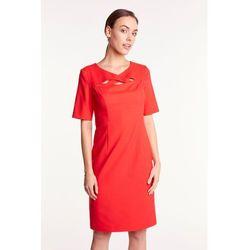 3c4f8415c7fa09 suknie sukienki czerwona trapezowa sukienka z oryginalnym dekoltem ...